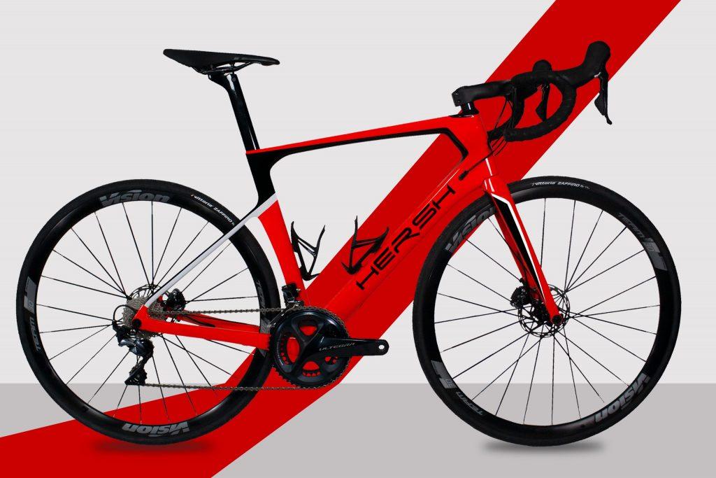 Bici da corsa freni a disco, in carbonio con Shimano Ultegra