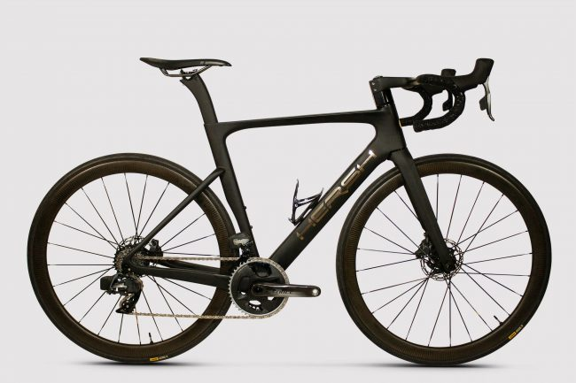 R913 - carbon frame with SRAM Force eTap AXS